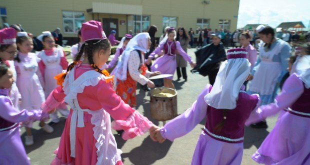 """MNGOO of Tatar culture """"Vatan (Fatherland)"""" implements the ethnocultural project """"Samotlor Gathers Friends"""""""