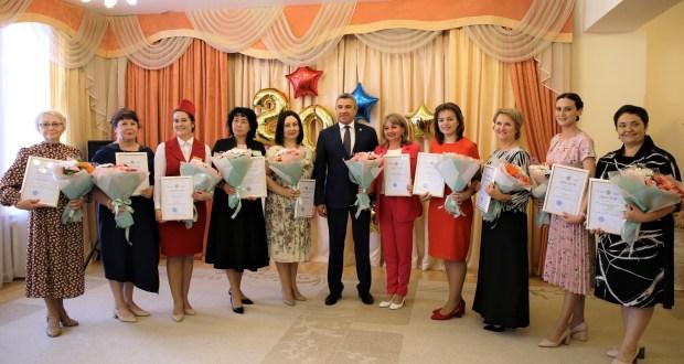 Ильсур Хадиуллин наградил победителей конкурса «Лучший билингвальный детский сад»
