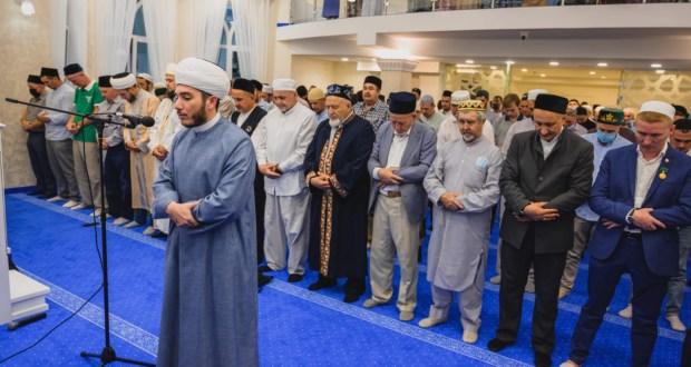 В Авиастроительном районе Казани состоялось торжественное открытие новой мечети «Рахматулла»