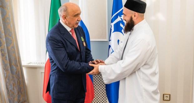 Муфтий Татарстана наградил ректора КФУ Орденом «Марджани» III степени