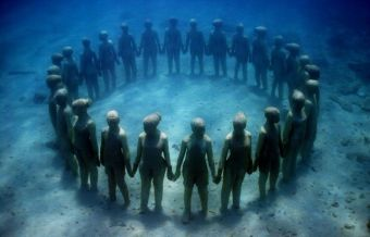vicissitudes-01-jason-decaires-taylor-sculpture