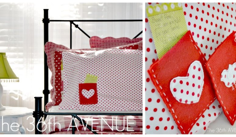Make Interchangeable Envelope Message Pillows! {tutorial}