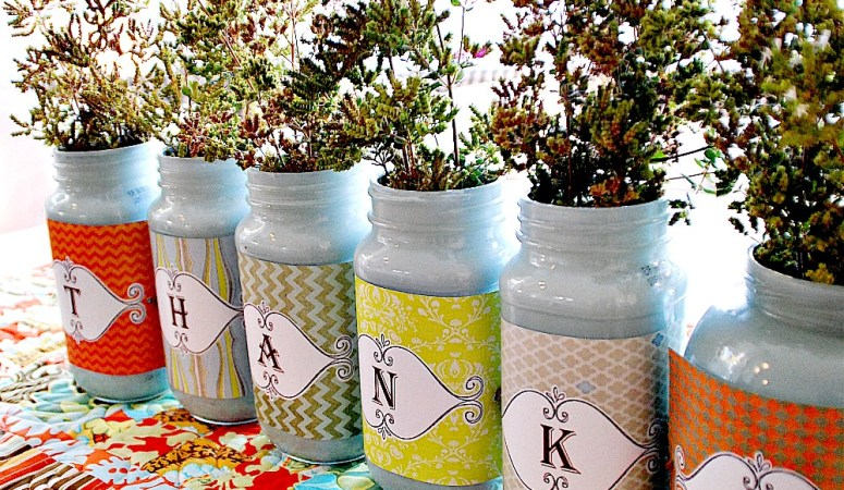 Make a Thankful Jar Centerpiece {Thanksgiving Jars}!!