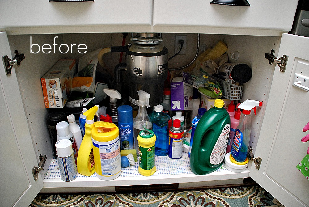 Getting Organized in 2012  Organizing Cleaning Supplies and Free Label Printables
