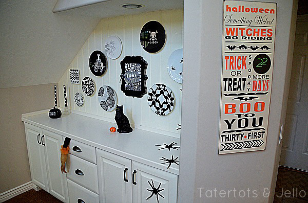 tatertots-and-jello-plate-wall-and-countdown-calendar