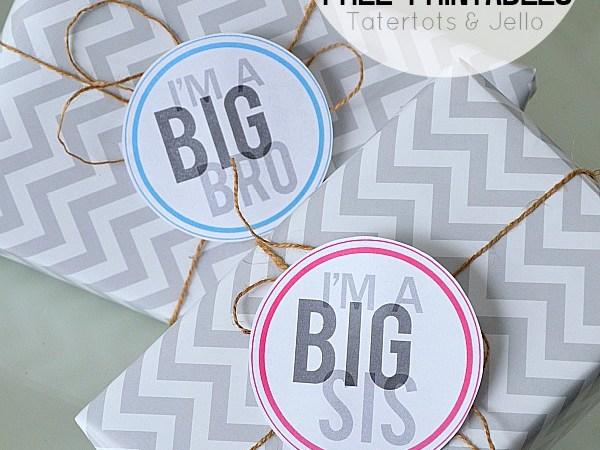 Big Bro and Big Sis Free Printable Tags and Pins!