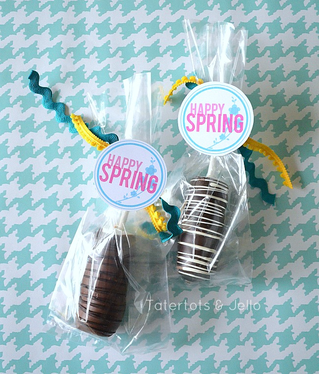 Free Happy Spring Labels in three different colors at Tatertots and Jello