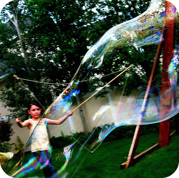 make DIY giant bubbles with your kids. All the details and instructions.