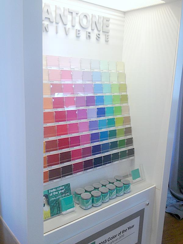 pantone universe colors
