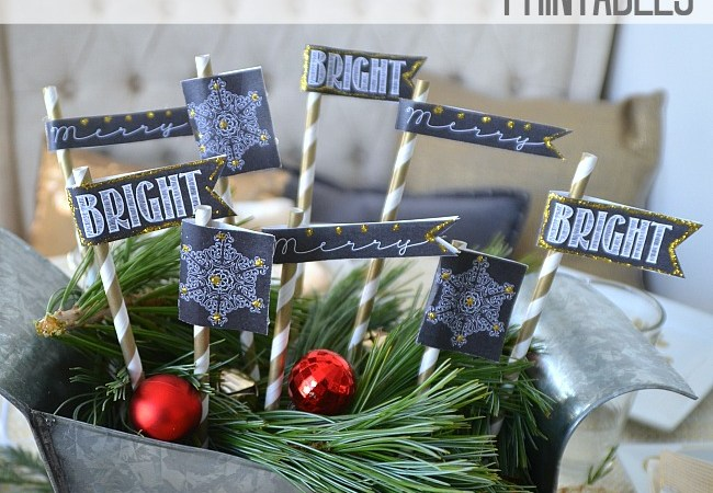 Christmas at the #1905Cottage, A Home Tour, and free Holiday Chalkboard Flag Printables!!