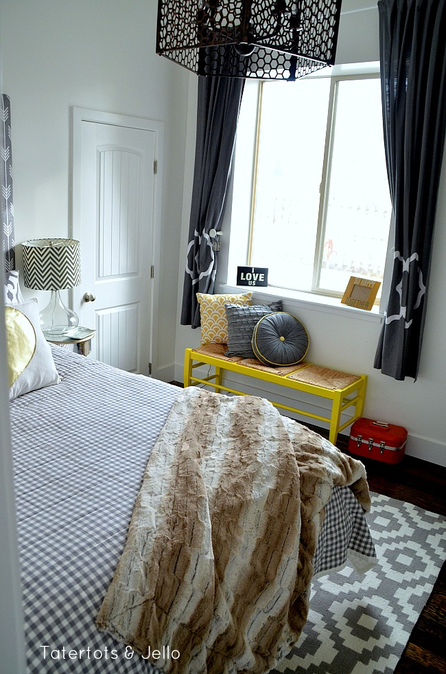 1905Cottage bedroom grey and white arrows