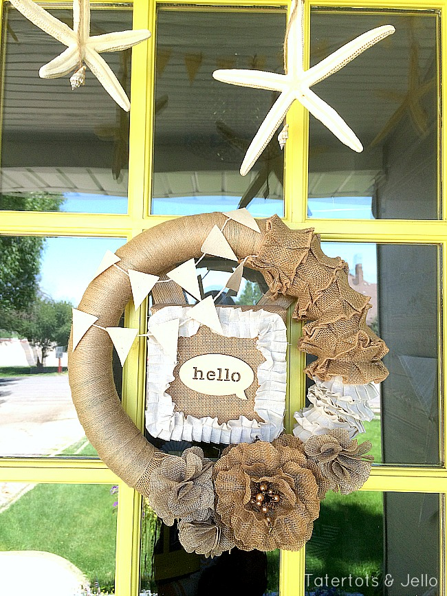 easy summer wreath idea from tatertots & Jello