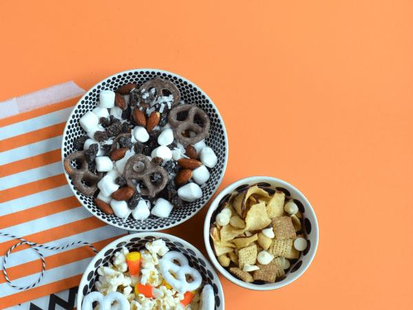 Halloween Snack Mixes