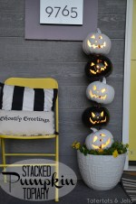 Easy Black and White Halloween Topiary!