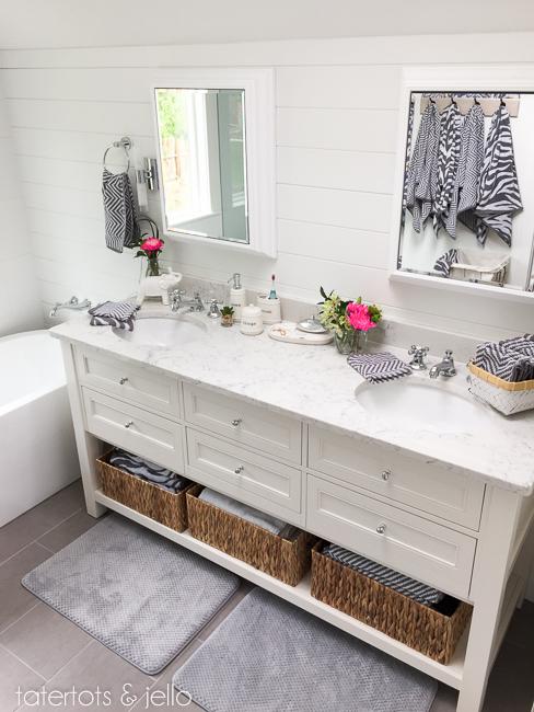 bhg.bathroom.2015.tatertotsandjello-32
