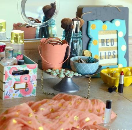 DIY Very Girly Beauty Station