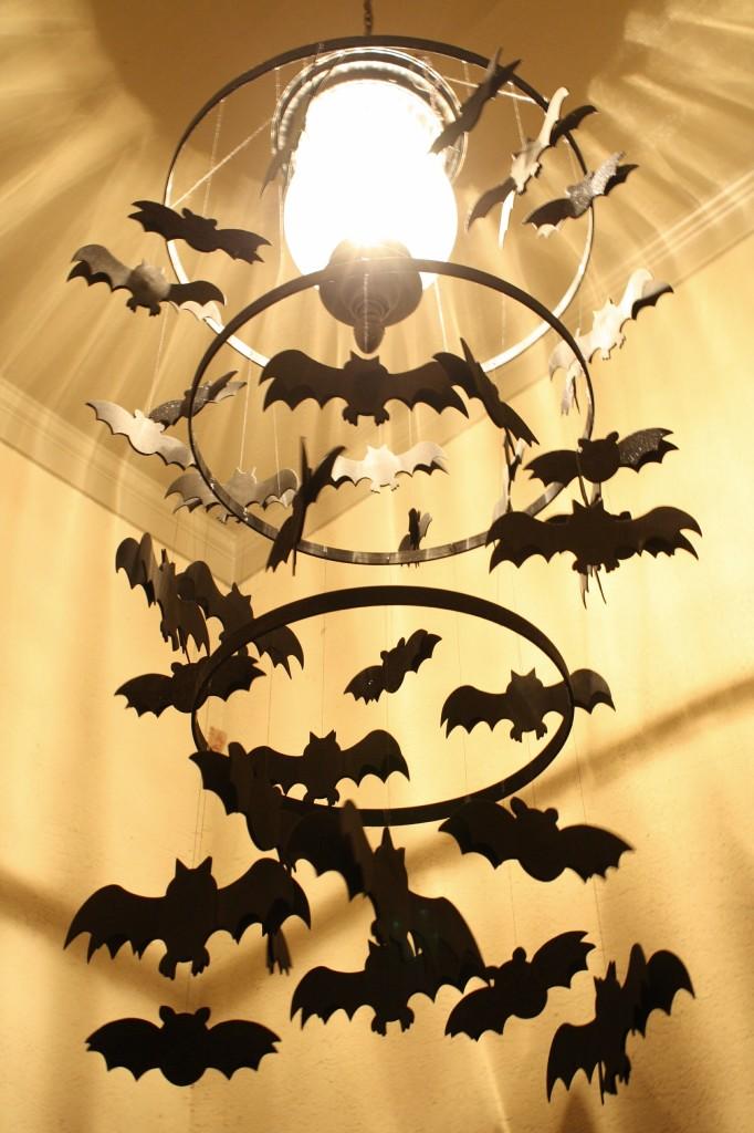 DIY Spooky Bat Chandelier #halloween #halloweencraft #papercraft