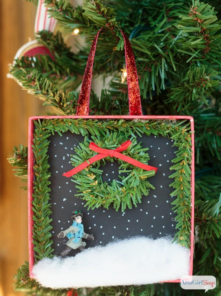 800px-diy-shadowbox-christmas-ornaments-7