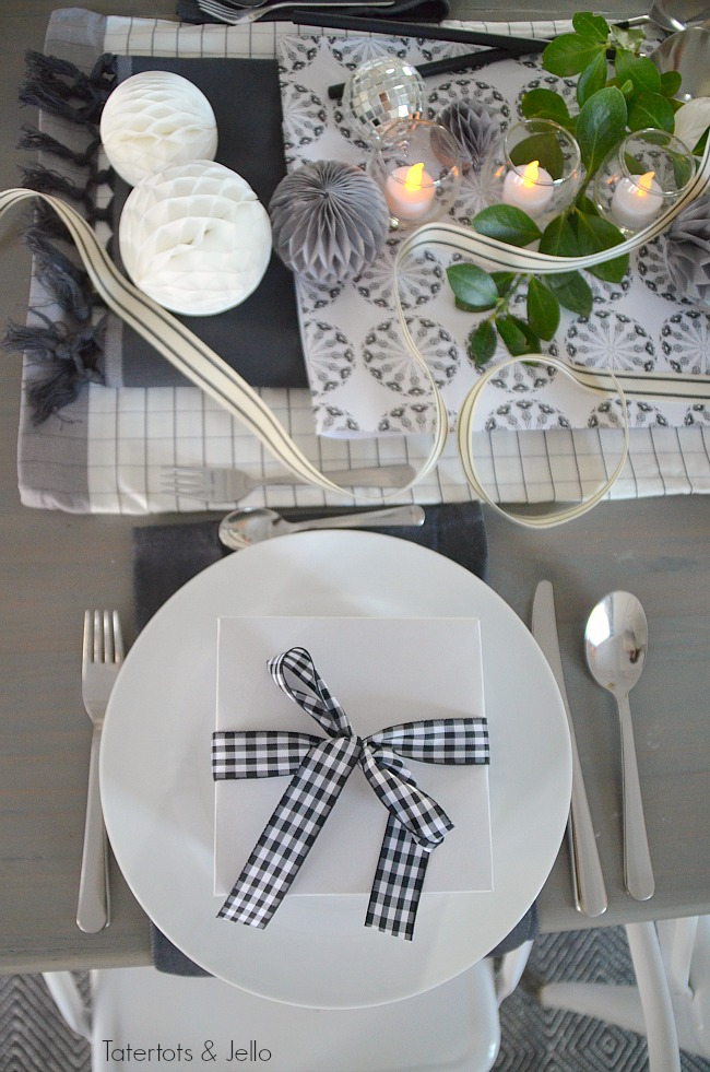 black and white new years tablescape