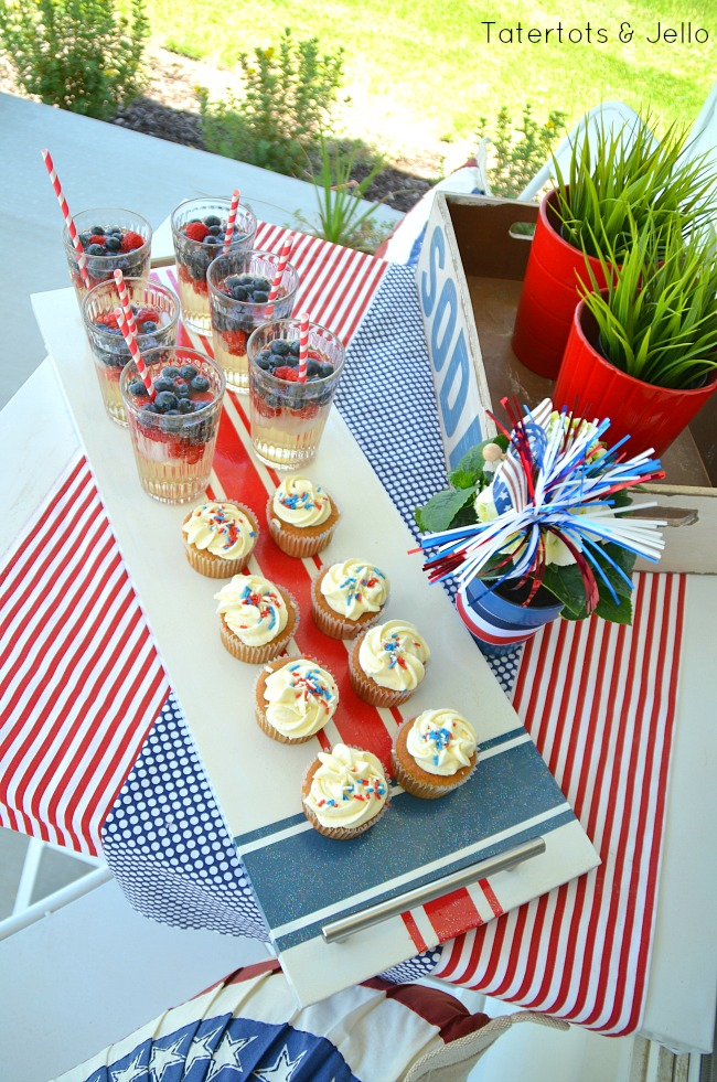 red white and blue wood tray diy