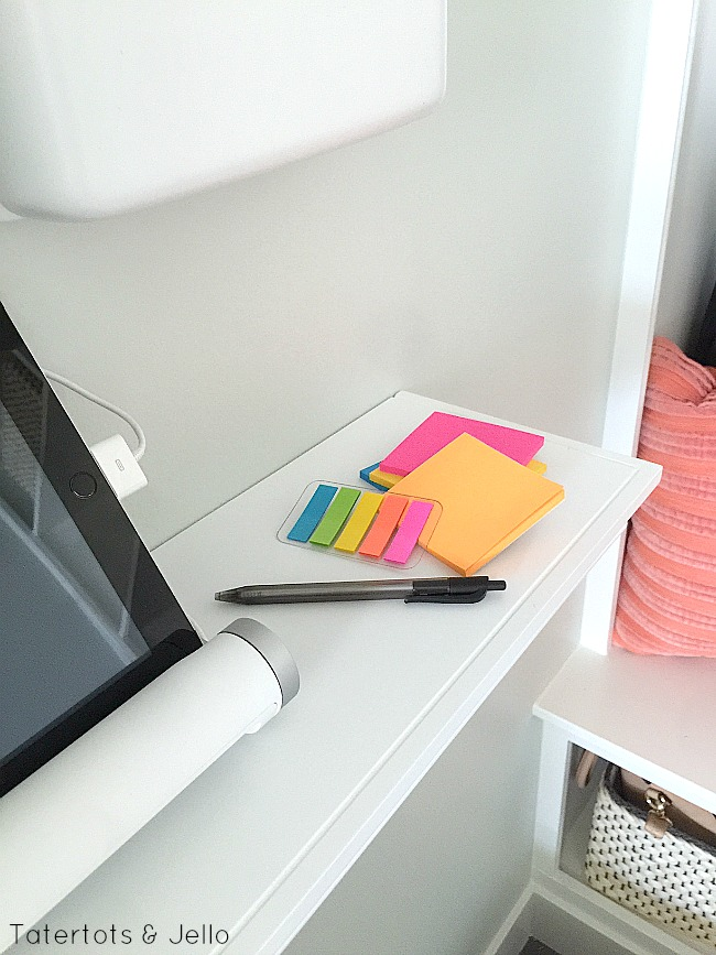 post it note back to school organizing
