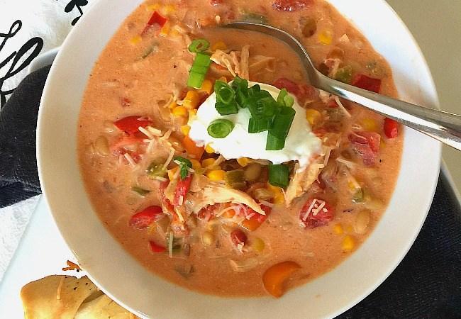 Slow Cooker Southwestern White Chili Chicken Recipe