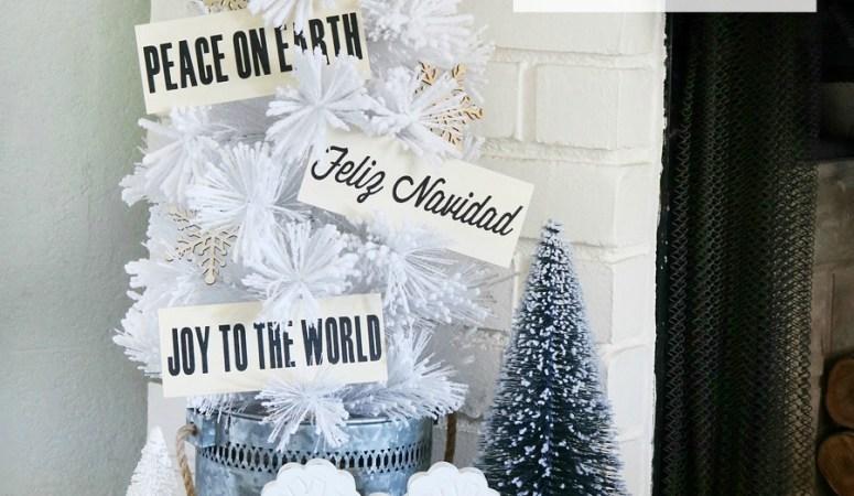 DIY Wood Plaque Christmas Ornaments!
