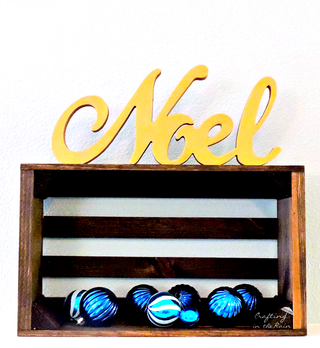 gold noel sign DIY