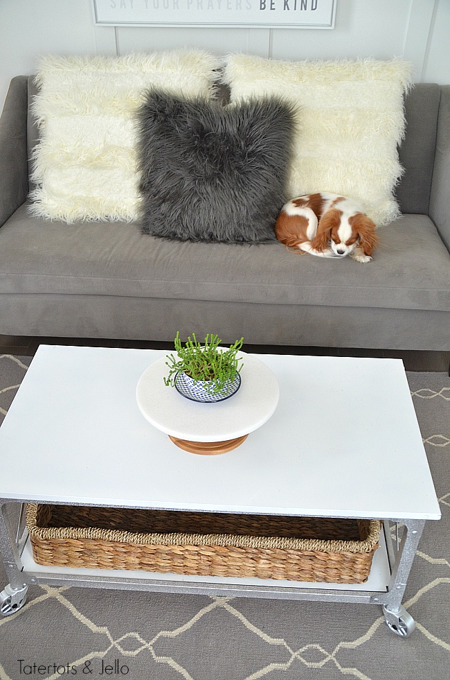 New Year Room Refresh: Living Room. Simple ways to bring a fresh look into a room. Coffee Table Makeover.