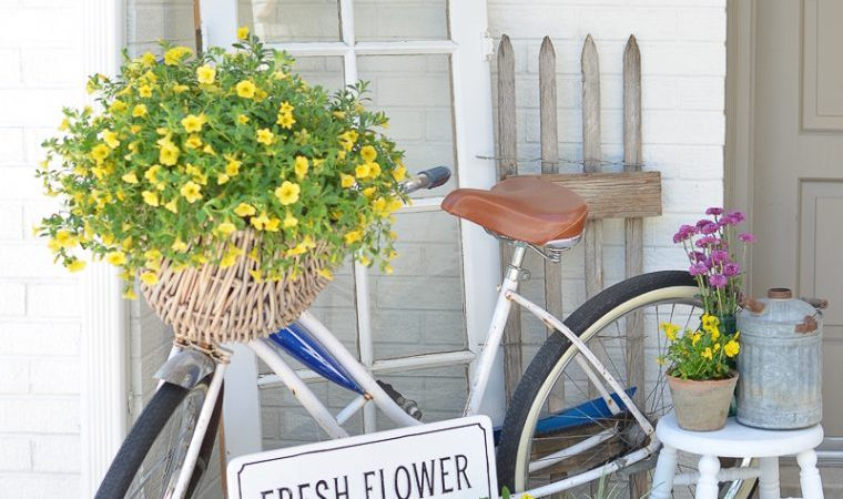 15 Flourishing Spring Porch Ideas