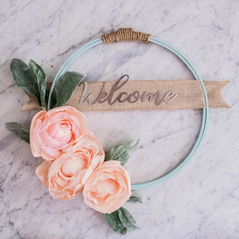 DIY Mommy Fabric, paint and trim embroidery hoop DIY