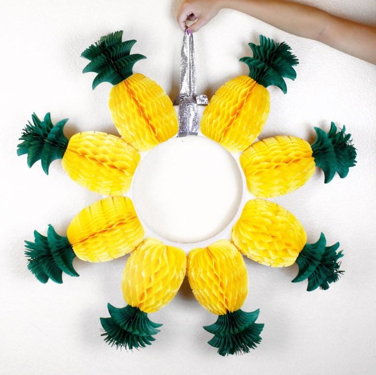 DIY Pineapple Wreath