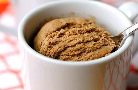 Skinny Pumpkin Spice Mug Cake - 7 Weight Watchers Smart Points @ Pointskitchen