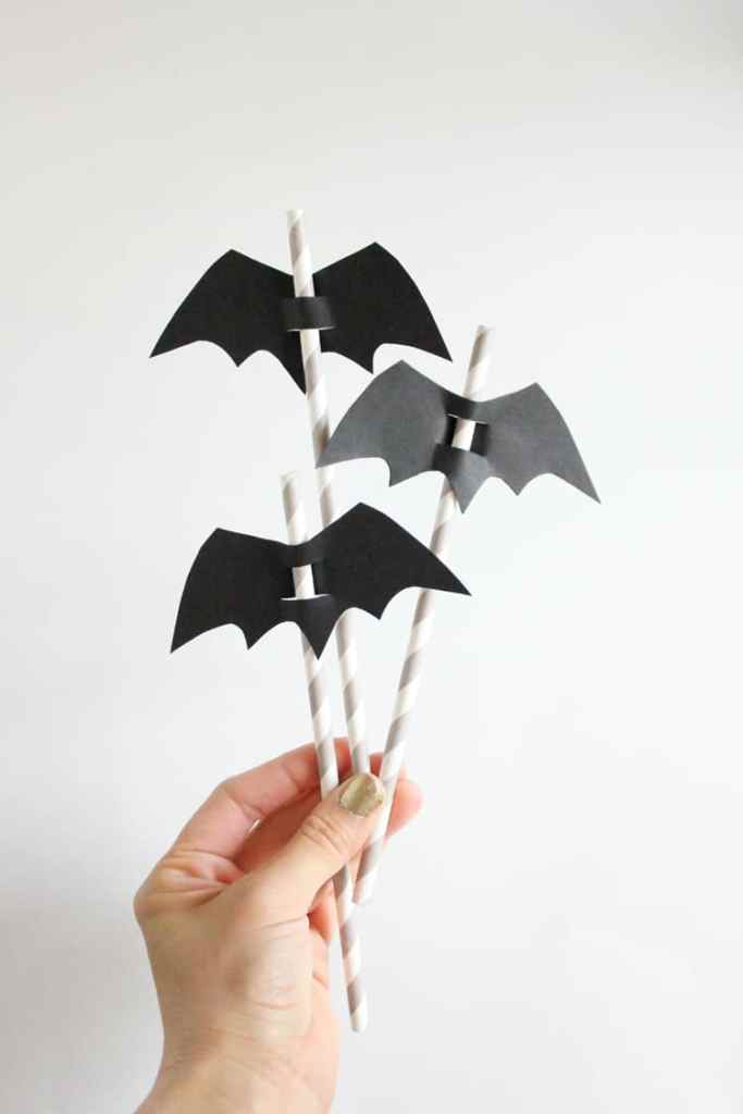 DIY Halloween Straw Toppers @ Delia Creates