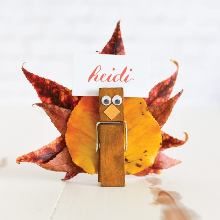 Easy Turkey Place Card Holders @ Hey, Let's Make Stuff