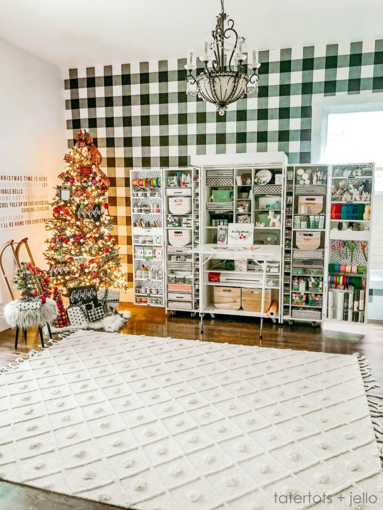 Holiday Housewalk Tour 2019 Tatertots and Jello. Holiday ideas and tips for a vintage home on a budget.