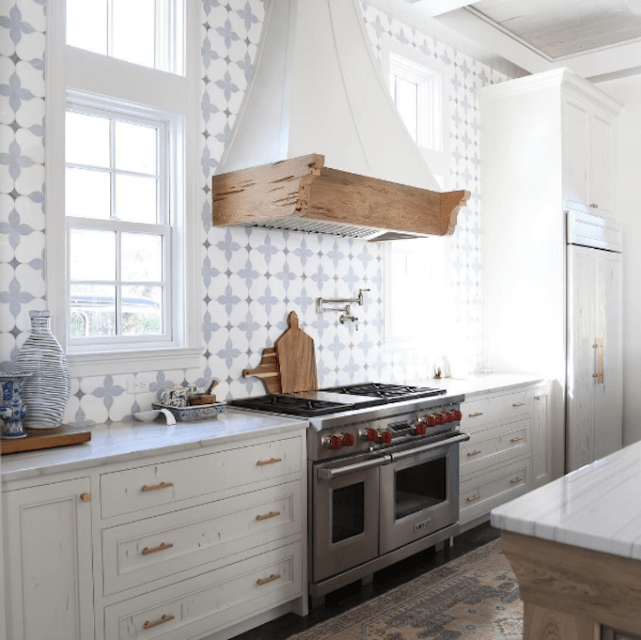 Grey and white kitchen tile