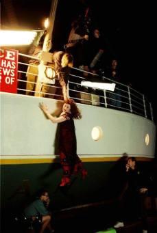 Sul set di Titanic, 1997.