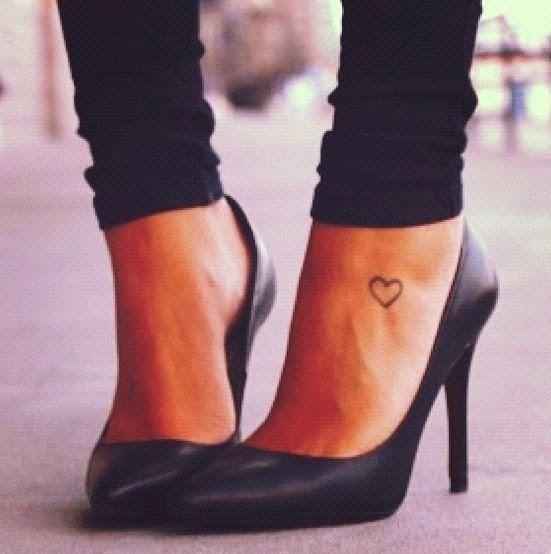 tatouages301 petit tatouage cheville femme. Black Bedroom Furniture Sets. Home Design Ideas