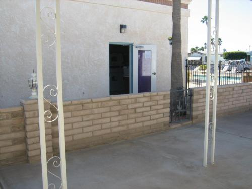 For Rent in Yuma AZ - located next to laundry and pool