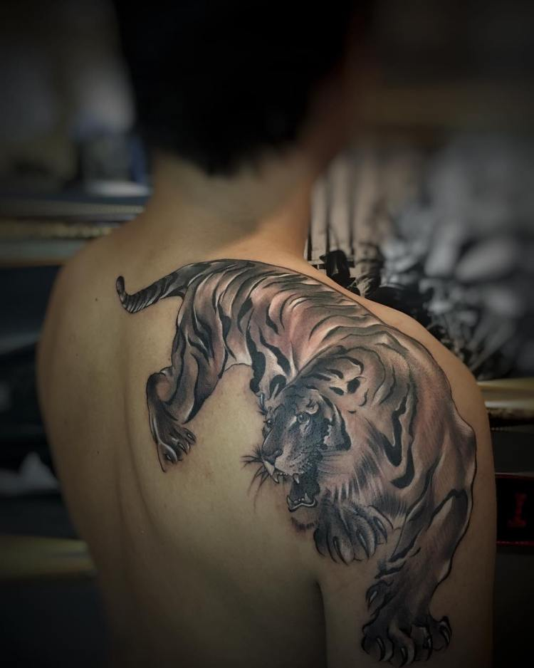 unique tiger backpiece onal bali