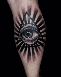 Original eye tattoo by Ricky Sokai  / Diamond Dog Tattoo Kuta