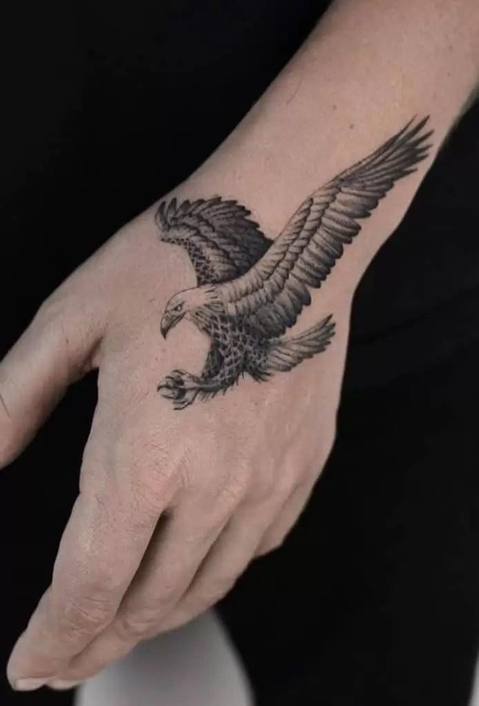 Minimalist Eagle Tattoo : minimalist, eagle, tattoo, Eagle, Tattoos:, Meanings,, Tattoo, Designs, Ideas
