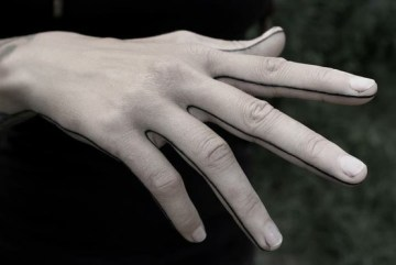 Lines On Fingers