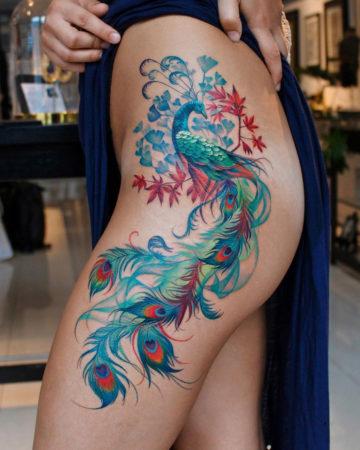 Vivid Peacock hip