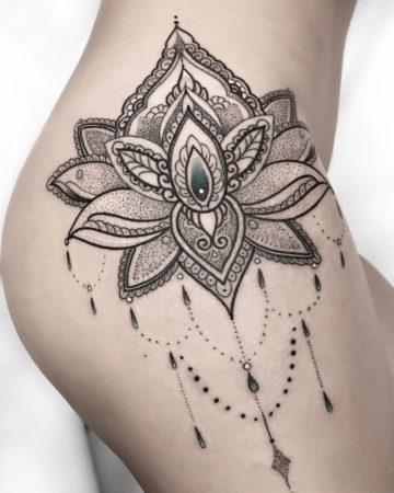 Mandala Hip detail