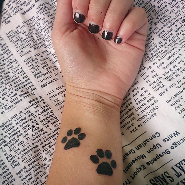 Tiger Tattoo On Hand Simple