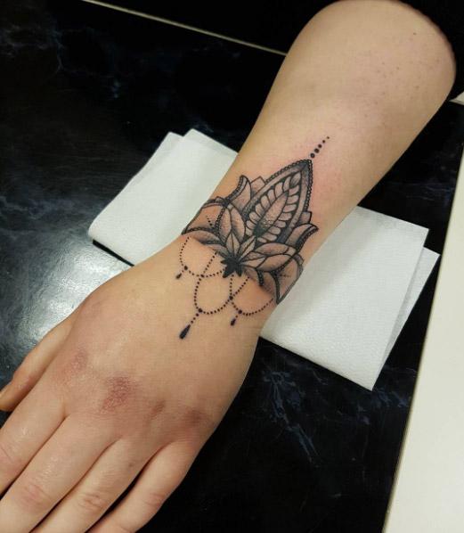 adorable wrist tattoos women