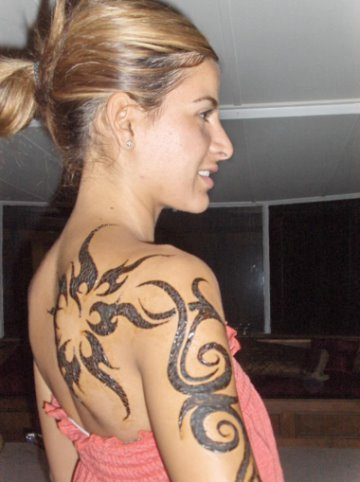 tribal feminine tattoos design