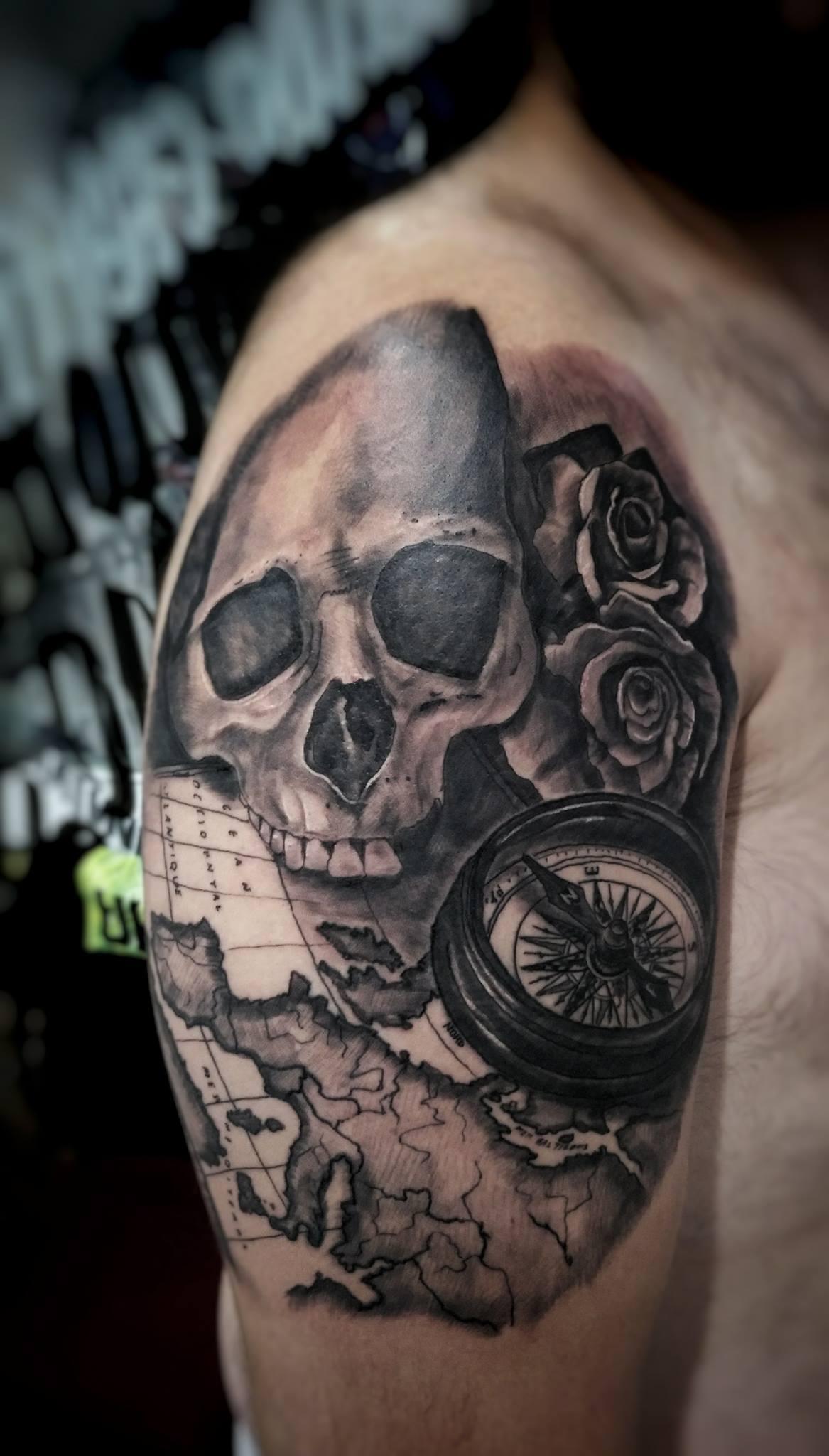 home tatuaje tattoo palencia realismo calavera
